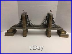 DEPARTMENT 56 CHRISTMAS IN THE CITY BROOKLYN BRIDGE HOUSE PLATFORM With BOX