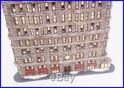 DEPT 56 Christmas in the City Village/HouseNew York FLATIRON BUILDING Light Up