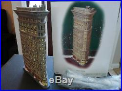 Department 56 Christmas in the City Flat Iron Building
