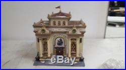 Department 56 Christmas in the City Series Heritage Museum of Art- 1994 Issue