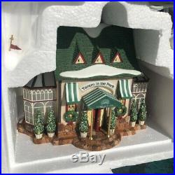 Department 56 Tavern in the Park Restaurant Christmas in the City Item #5892-8