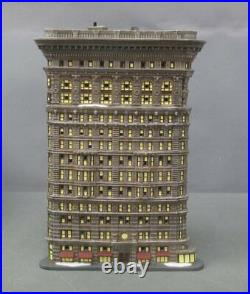 Dept 56 59260 Christmas in the City Flatrion Building LN/Box