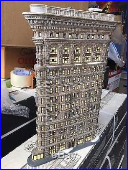 Dept 56 Christmas In The City Flatiron Building
