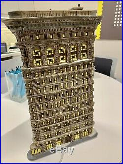 Dept 56 Christmas In The City New York NYC Flatiron Building #59260