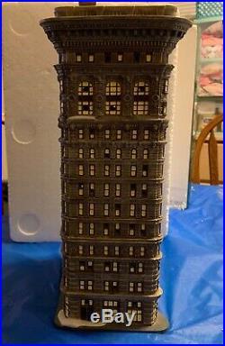 Dept 56 Christmas in the City CIC Flatiron Building Rare 56.59260