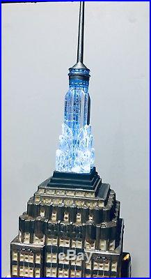 Dept 56 Christmas in the City Series Empire State Building Item 59207 MIB