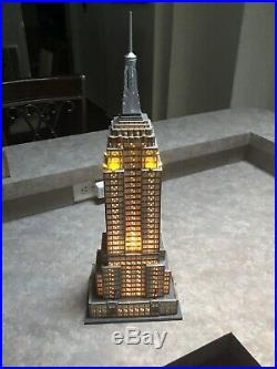 Dept 56 EMPIRE STATE BUILDING Christmas In The City #59207 Lights Work, No Box