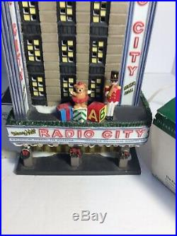 Dept 56 RADIO CITY MUSIC HALL 56.58924 & Radio City Rockettes
