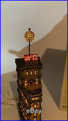Dept 56 The Times Tower 2000 Special Edition Gift Set Retired WORKS 55510